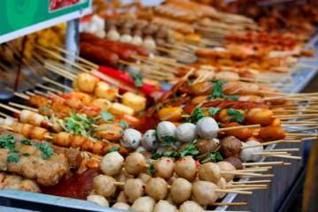 Những con hẻm ăn vặt nổi tiếng ở Sài Gòn