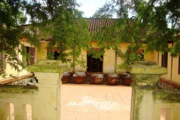 Ghé thăm Nhà cổ Trăm Cột Long An, cảm nhận nét hằn thời gian thăm trầm